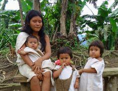 Madre Kogui y su Familia. Cultura y Tradición www.magictourcolombia.com reservas@magictourcolombia.com