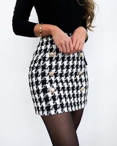 Lilli Hahnentritt-Rock - Fashion - Outfits 2019 Outfits casual Outfits for moms Outfits for school Outfits for teen girls Outfits for work Outfits with hats Outfits women Cute Fall Outfits, Girly Outfits, Trendy Outfits, Chic Outfits, Summer Outfits, Skirt Outfits For Winter, Holiday Outfits, Flannel Outfits, Scene Outfits