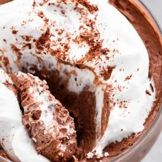 Hot Fudge Chocolate Pudding Cake is extremely easy to make! A rich chocolate fudge sauce forms underneath a layer of chocolate cake while baking, by itself! Low Carb Sweets, Low Carb Desserts, Gluten Free Desserts, Vegan Desserts, Just Desserts, Low Carb Recipes, Delicious Desserts, Free Recipes, Healthy Recipes