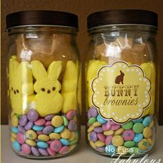 bunny brownies in a jar cute Easter gift! Put ingredients in jar and make label. Easter Party, Easter Gift, Easter Presents, Easter Cake, Easter Dinner, Hoppy Easter, Easter Bunny, Easter Peeps, Holiday Crafts