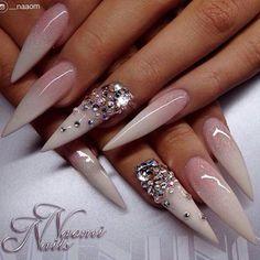 Credit to  @__naaom @__naaom @__naaom #nail #nails4today #naildesign #nailstagram #nailart #unas #nailartist #nailpro #nails #design