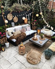 Our Favorite boho decor ideas for modern patio spaces and outdoor living! We love these furniture sets, outdoor rugs, plants and planters and lighting ideas Backyard Patio Designs, Backyard Landscaping, Backyard Pools, Small Backyard Patio, Small Patio Design, Small Patio Gardens, Paved Backyard Ideas, Garden Decking Ideas, Apartment Patio Gardens