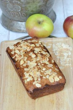 Sugar and Gluten free Bramley apple and almond cake from Apple And Almond Cake, Almond Cakes, Bramley Apple Recipes, Sugar Busters, Applesauce Bread, Crazy Kitchen, Great British Chefs, Everyday Food, Coconut Flour