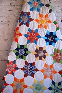 lieblingsdecke.blog  from Germany, hand pieced , beautiful work