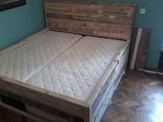 Pallet Bed with Drawers Bedroom Pallet Projects Pallet Beds & Headboards