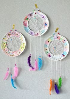 Paper plate dream catchers inspired by Roald Dahl and Disney's The BFG. Easy kids craft for toddlers to big kids. Perfect for Girl Scout Troops too. kids crafts The BFG Paper Plate Dream Catchers Kids Craft The Suburban Mom Crafts For Girls, Easy Crafts For Kids, Diy For Kids, Big Kids, Kids Fun, Children Crafts, Arts And Crafts For Kids For Summer, Paper Plate Crafts For Kids, Kids Craft Projects