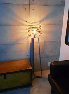 Luminária estilo Industrial Lighting, Home Decor, Objects, Decoration Home, Room Decor, Lights, Home Interior Design, Lightning, Home Decoration