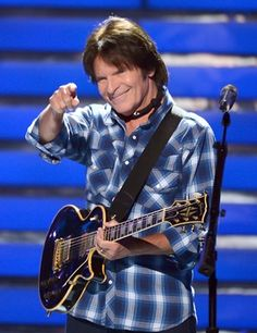 Just came home from a John Fogerty concert at the SOEC in Penticton B.C. John and band spent their Thanksgiving entertaining a sold out audience. Thanks for the FANTASTIC concert and Happy Thanksgiving to all of you. Nov. 27, 2014.