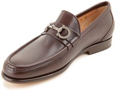 Ferragamo - A Classic never goes out of style Penny Loafers, Loafers Men, Mocassins Luxe, Ferragamo Shoes Women, Salvatore Ferragamo, Prince Shoes, Sneaker Dress Shoes, Me Too Shoes, Men's Shoes