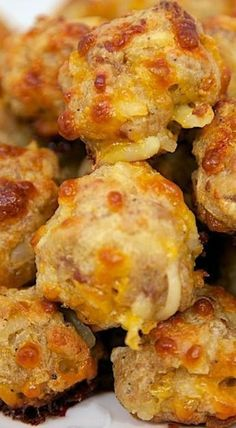Sub veggie sausage & Hash Brown Balls . a pack of breakfast sausage, cream cheese and cheese and thawed hash browns! Breakfast Desayunos, Sausage Breakfast, Breakfast Dishes, Breakfast Recipes, Breakfast Appetizers, Breakfast Finger Foods, Breakfast Ideas, Breakfast Sandwiches, Breakfast Burritos
