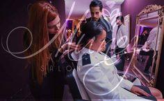 Em breve você contará com o serviço que merece em um ambiente confortável inovador e de acesso super fácil. Leve também para seu evento! Munez Salon Inspiração é visual! #salãodebeleza #loiras #blond #blondegirl #qualidade #atendimento #confiança #profissionalismo #saude #beleza #bemestar #eventos #formatura #porquem #édemelhor Agende já seu horário! (62) 9118-0328 by munezsalon http://ift.tt/1NzfGX5