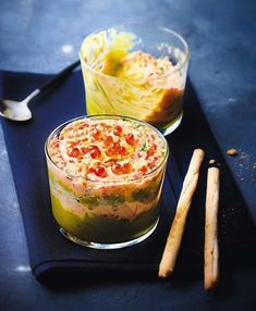 Verrines de mousse de saumon au guacamole