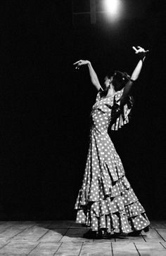 View top-quality stock photos of Portrait Of Flamenco Dancer Black And White. Find premium, high-resolution stock photography at Getty Images. Shall We Dance, Lets Dance, Dance Art, Ballet Dance, Jazz Dance, Spanish Dance, Spanish Dress, Dance Movement, Braids Wig