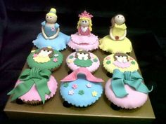 Fondant cupcakes #by SM Cookies and Cakes