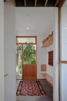 entry--dutch door