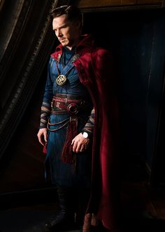 """benedictdaily: """" Benedict Cumberbatch during behind the scenes of Doctor Strange [SOURCE 