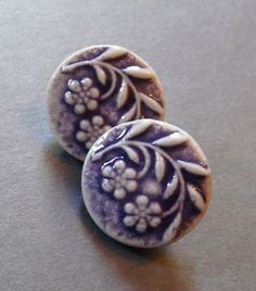 Image of Sweet Floral Shank Button Set in Dusty Plum