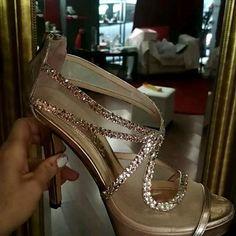 Χειροποίητα Νυφικά πέδιλα σε  Ροζ-Χρυσο Δερμα με swarovski Swarovski, Our Wedding Day, Wedding Shoes, Stuart Weitzman, Sandals, Heels, Fashion, Cute Flats, Fashion Shoes
