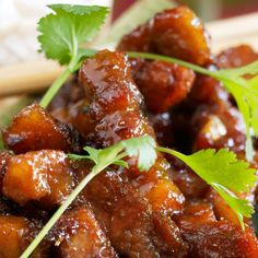 Discover the recipe Porc au caramel on cuisineactuelle. – Chicken Recipes Discover the recipe Pork with caramel on cuisineactuelle. Pork Recipes, Asian Recipes, Chicken Recipes, Cooking Recipes, Chinese Recipes, Healthy Snacks, Healthy Recipes, Salty Foods, Asian Cooking