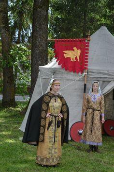 "Costume Eastern Slavs: Slovens from Novgorod and Vyatichi, 11 се.  Фотографии ДРУЖИНА РАТНОГО ДЕЛА ""РАРОГ"" – 34 альбома"