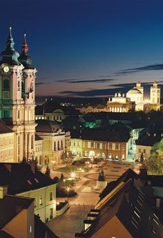 Amazing City of Eger (My husband wants to take us to Hungary, especially Budapest, I can see why looks like a beautiful country). Great Places, Places To See, Wonderful Places, Budapest, Beautiful World, Beautiful Places, Travel Around The World, Around The Worlds, Beautiful Buildings