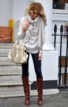 Oversized bag, scarf, top and skinnie jeans and brown boots :-)