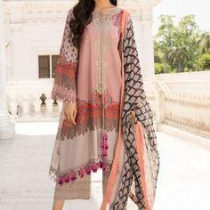 Single rate Whatsapp on Pakistani Fashion Party Wear, Pakistani Dress Design, Pakistani Outfits, Pakistani Clothing, Pakistani Lawn Suits, Kurti Pakistani, Anarkali Suits, Dress Indian Style, Indian Dresses