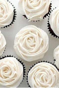 White flower (rose) cupcakes, love the black & white!