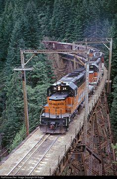 "<a href=""http://RailPictures.Net"" rel=""nofollow"" target=""_blank"">RailPictures.Net</a> Photo: MILW 24 Milwaukee Road EMD SD40-2 at Cedar Falls, Washington by Bill Edgar"