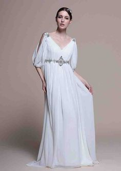 White Chiffon Bridesmaid Dresses - Wedding and Bridal Inspiration Wedding Dress 2013, Wedding Dress Train, Best Wedding Dresses, Cheap Wedding Dress, Designer Wedding Dresses, Bridal Dresses, Wedding Gowns, White Gowns, White Dress