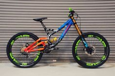 Down Hill colorful mtb Mt Bike, Mtb Bicycle, Cycling Bikes, Bicycle Art, Cycling Jerseys, Fully Bike, Dh Velo, Montain Bike, Workout Exercises