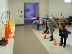 preK pasadena 2011/2012: MOTRICITE: Les jeux collectifs et les ateliers de lancer Activity Games For Kids, Gross Motor Activities, Occupational Therapy, Physical Education, Ballons, Physics, Sports, Tour, Stage