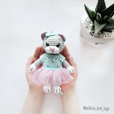 PDF Малышка Мими. FREE amigurumi crochet pattern. Бесплатный мастер-класс, схема и описание для вязания игрушки амигуруми крючком. Вяжем игрушки своими руками! Кот, котик, кошка, кошечка, котенок, cat, kitten. #амигуруми #amigurumi #amigurumidoll #amigurumipattern #freepattern #freecrochetpatterns #crochetpattern #crochetdoll #crochettutorial #patternsforcrochet #вязание #вязаниекрючком #handmadedoll #рукоделие #ручнаяработа #pattern #tutorial #häkeln #amigurumis