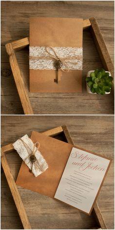 rustikale Hochzeitseinladungen mit Spitze und Schlüssel für Hochzeit 2016 #weddinginvites #lace #rustic