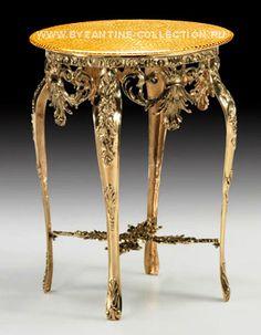 Столик салонный с основанием из литой бронзы и столешницей из золотой смальты
