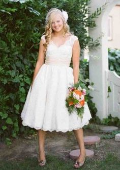 Plus Size Short Wedding Dresses With Sleeves