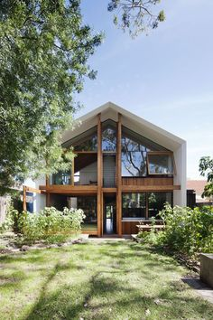 Doll's House by BKK Architects, Melbourne. Totally loving this. Sustainable Architecture, Residential Architecture, Architecture Design, Dezeen Architecture, Melbourne Architecture, Architects Melbourne, Design Exterior, Energy Efficient Homes, House Extensions