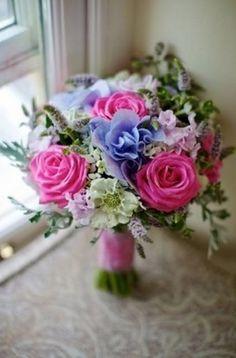 30 Stunning Spring Wedding Bouquets | weddingsonline