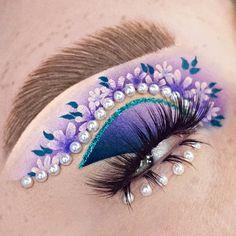Bright Eye Makeup, Makeup Eye Looks, Beautiful Eye Makeup, Colorful Eye Makeup, Eye Makeup Art, Pretty Makeup, Eyeshadow Makeup, Unique Makeup, Creative Makeup Looks