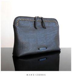 Mars+Zorba Gigi Black Clutch *studs #calfskin #leather #studs #clutch #sobre #carteras #handbags #cuero #pouch #buenosaires #fashion #design