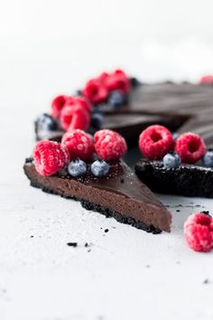 This Chocolate Truffle Tart is silky smooth and super rich! It's also easy to make, and it's the perfect dessert for any chocolate lover! | #ValentinesDay #ValentinesDayDessert #dessert #chocolate