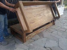 Marcio Pisoni: Sofá Cama de Madeira de Demolição