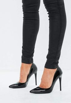 fe7b23e2f19 Missguided Black Patent Court Shoes Black Pumps Outfit