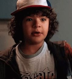 Dustin Strangerthings GIF - Dustin Strangerthings Smile - Discover & Share GIFs