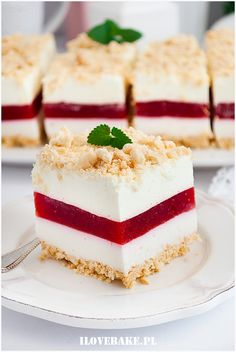 Ciasto truskawkowa lasagnia - I Love Bake Polish Desserts, Dacquoise, Food Carving, Cake Bars, How Sweet Eats, Vanilla Cake, Oreo, Cake Recipes, Bakery