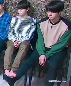 why does kook look so small here