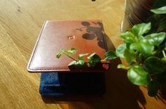 """""""It's the best wallet I've ever owned. Love the contrast colors of the leather and the profile. Have received a lot of compliments and in fact a friend of mine inquired about purchasing one."""" Thanks, Justin! Looking forward to your friend's review as well. #DannyPstyle"""