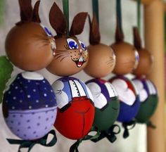 Easter bunnies build of eggs are seen on a Easter Market in the western Austrian city of Innsbruck Funny Easter Eggs, Easter Bunny, Bunny Crafts, Easter Crafts, New Crafts, Crafts For Kids, Seasonal Decor, Happy Easter, Hobbit