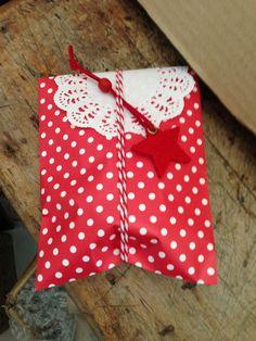 Christmas wrapping using doilies, polka dot bag and felt present topper Polka Dot Bags, Polka Dots, Christmas Wrapping, Grosgrain Ribbon, Doilies, Party Supplies, Wraps, Christmas Decorations, Presents