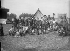 Gypsies in England: At the Kursaal, Essex, 1914.  Gypsies first moved into England during the early 1500s. From the 18th century into the early 20th, many of the British or English Gypsies or Romanichals or Rumnies and their American descendants used the surnames Boswell, Bradbury, Brown, Collins, Cooper, Hall, Heron or Herrin, Jones, Lee, Mace, Mathews, Mullins, Porter, Sampson, Scott, Smith, Stanley, Young, and Wood, among others. Given or first names were usually common Anglo or…